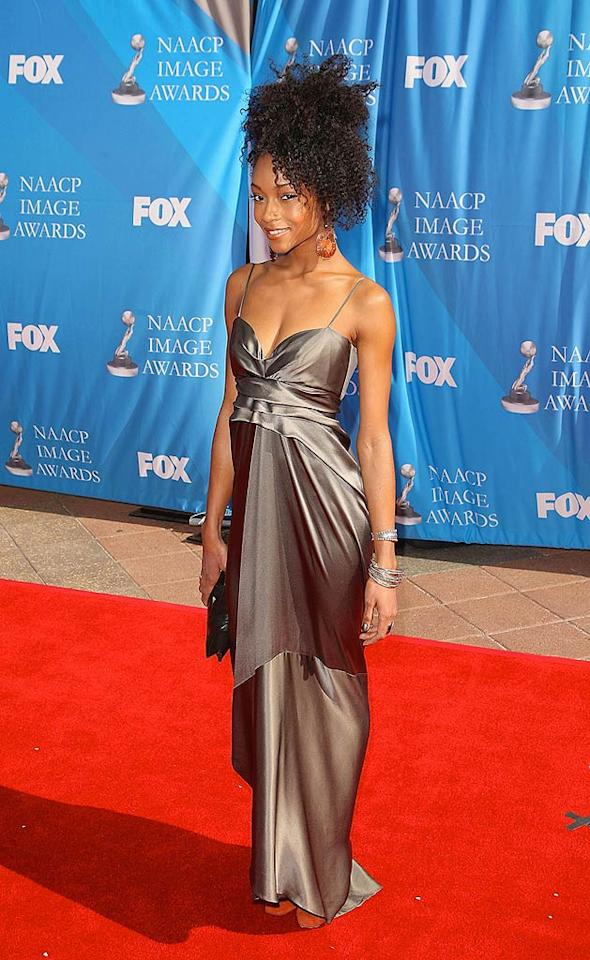 "Yaya DaCosta, runner-up to Eva Pigford in Cycle 2 of ""America's Next Top Model,"" shows off her towering coif. Jason Merritt/<a href=""http://www.filmmagic.com/"" target=""new"">FilmMagic.com</a> - February 14, 2008"