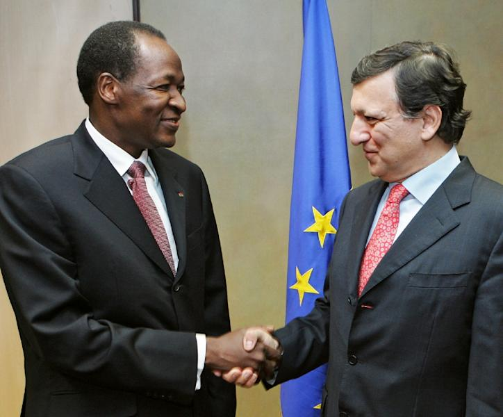 Blaise Compaore with European Commission president Jose Manuel Barroso in Brussels on November 16, 2006 (AFP Photo/JOHN THYS)