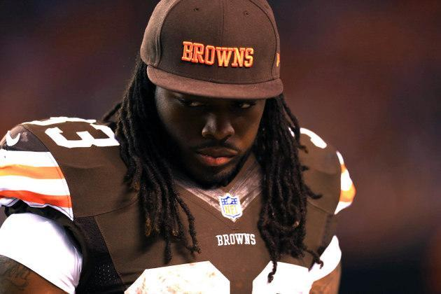 Cleveland Browns trade running back Trent Richardson to Indianapolis Colts for first-round pick