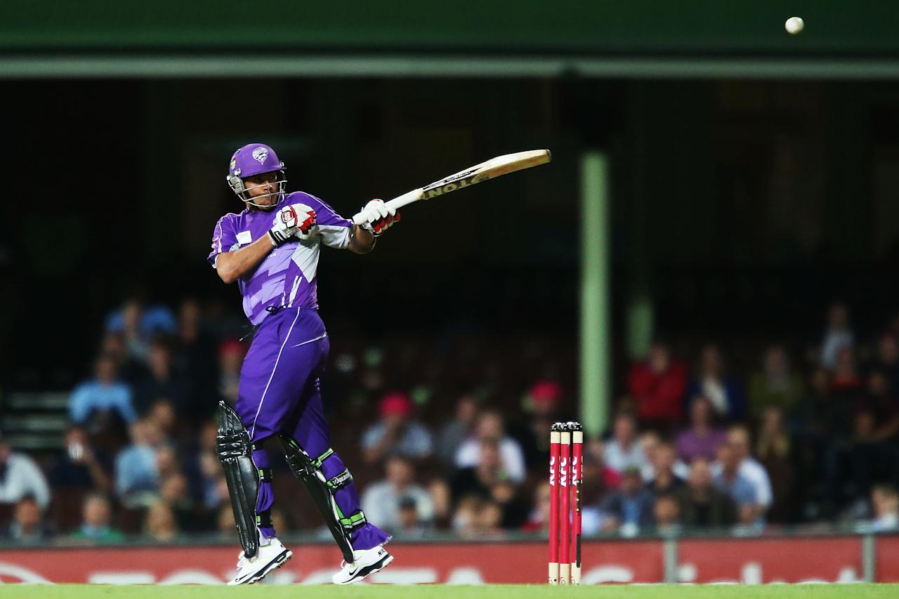 SYDNEY, AUSTRALIA - DECEMBER 26:  Owais Shah of the Hurricanes bats during the Big Bash League match between the Sydney Sixers and the Hobart Hurricanes at SCG on December 26, 2012 in Sydney, Australia.  (Photo by Brendon Thorne/Getty Images)