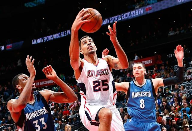 Thabo Sefolosha of the Atlanta Hawks attacks the basket during a game against the Minnesota Timberwolves at Philips Arena on January 25, 2015 in Atlanta, Georgia (AFP Photo/Kevin C. Cox)