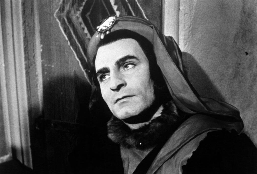"""<a href=""""http://movies.yahoo.com/movie/1800111631/info"""">Richard III</a>, directed by Laurence Olivier  """"Olivier was sexy, cocky, and brilliant. It was a phenomenal performance. Frankly, he had an ease with the camera there that you can almost compare with Marilyn Monroe. He was completely at home with Richard III, and it surprised him!"""""""