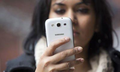 Mobile customers still being charged for handsets they have already paid for, consumer group warns