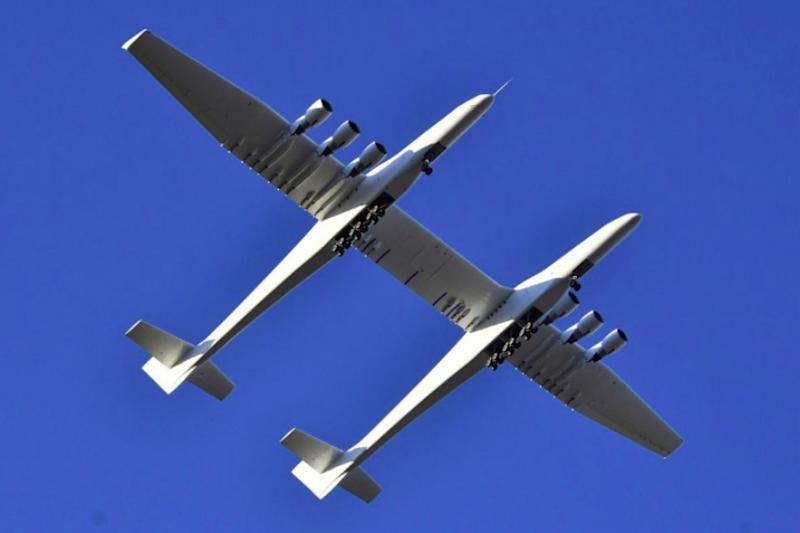 World's Largest Plane, Stratolaunch Roc, Makes First Test Flight in California