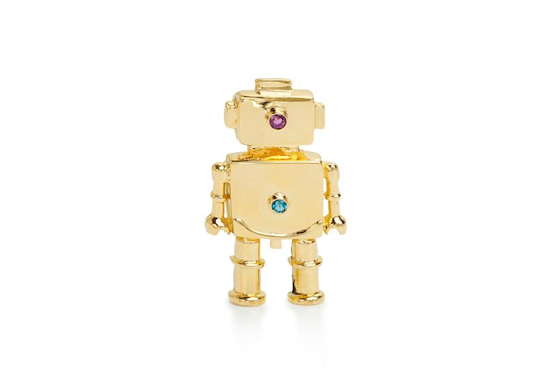 Ancestor Robot pendant in 18-karat gold by Mia Fonssagrives Solow