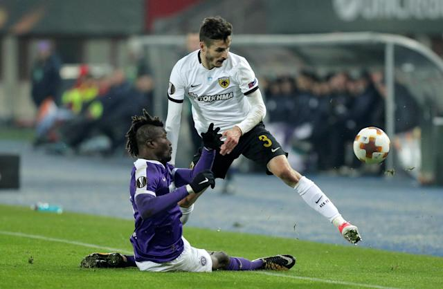 Soccer Football - Europa League - FK Austria Wien vs AEK Athens - Austria Arena, Vienna, Austria - December 7, 2017 Austria Vienna's Abdul Kadiri Mohammed in action with AEK's Helder Lopes REUTERS/Heinz-Peter Bader