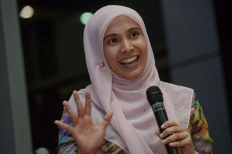Anwar to be released Tuesday, says Nurul Izzah