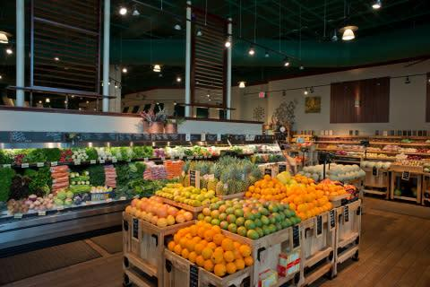 GE's new PAR38 LED lamps help The Fresh Market maintain its specialty atmosphere by enhancing the co ...