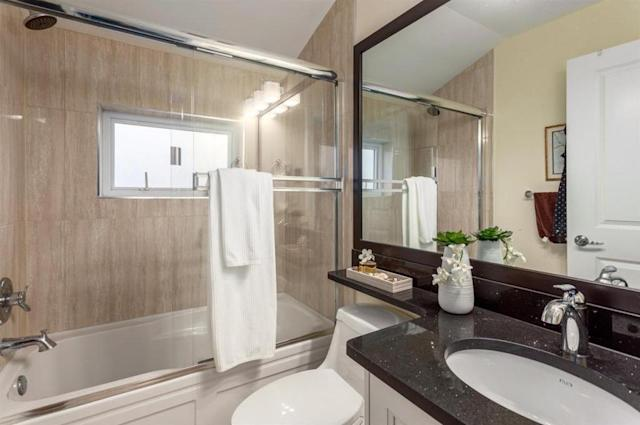 <p><span>5512 Dundee St., Vancouver, B.C.</span><br> There are also two-and-a-half bathrooms.<br> (Photo: Zoocasa) </p>