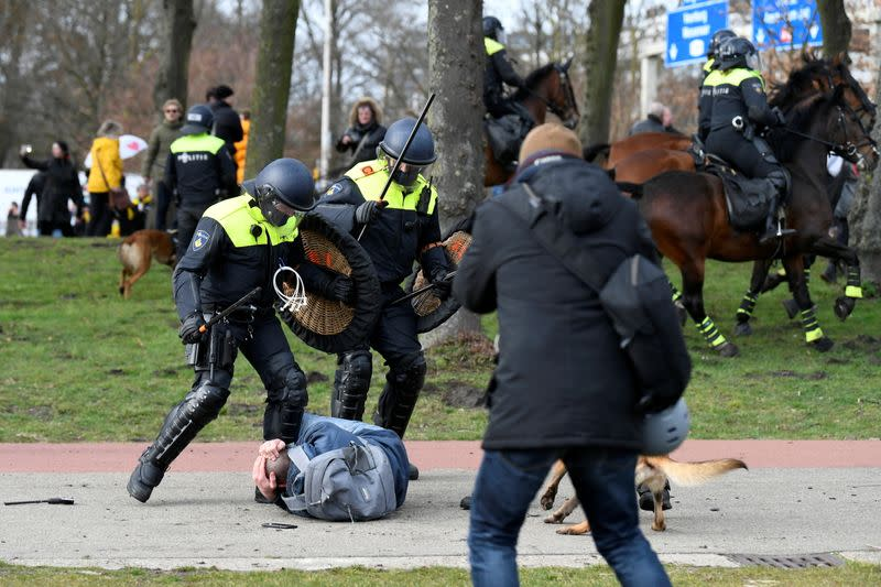 Protest against COVID-19 restrictions in The Hague