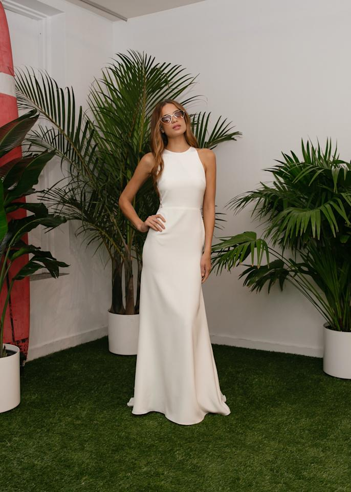 <p>For a simple, understated beach-appropriate gown, consider this from Sarah Seven.</p><p><i>(Photo: Courtesy of Lindsay Brown/Sarah Seven)</i></p>