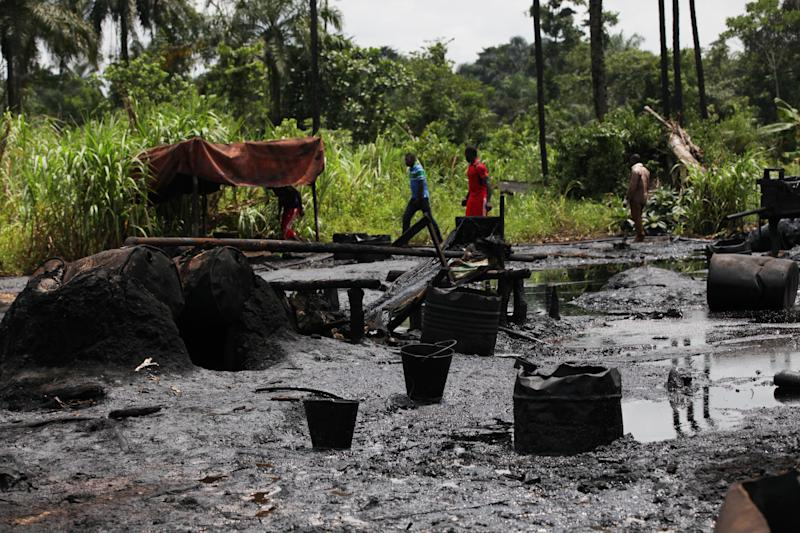 Oil thefts threaten Nigeria's economy, environment