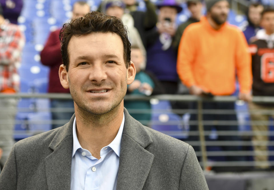 BALTIMORE, MD - DECEMBER 30:  American broadcaster and former NFL quarterback, Tony Romo watches the Cleveland Browns and the Baltimore Ravens warm up prior to their game on December 30, 2018, at M&T Bank Stadium in Baltimore, MD.  (Photo by Mark Goldman/Icon Sportswire via Getty Images)