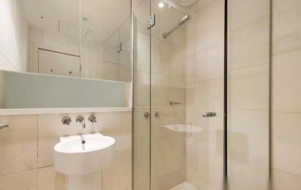<p>The unit has one bathroom, and like the rest of the place it's clean and modern.<br />(Airbnb) </p>