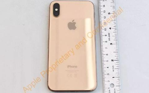 Apple iPhone X in gold