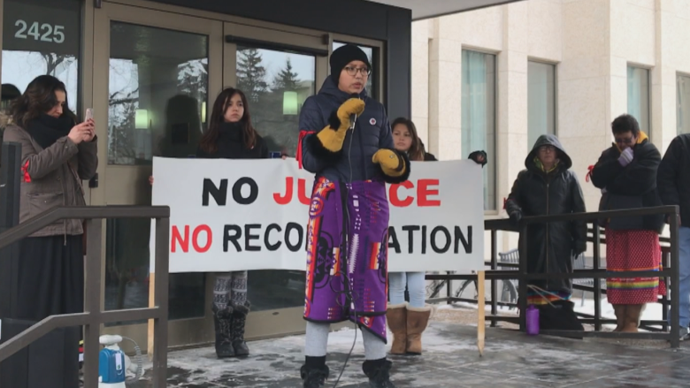 Regina round dance stops traffic for murdered teen Tina Fontaine