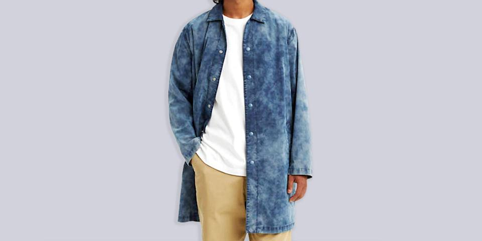 """<p class=""""body-text""""><em>Welcome to <strong>Add to Cart,</strong> a (semi)regular segment that spotlights the best pieces of menswear to buy at a bargain from across the web.</em></p><hr><p class=""""body-dropcap"""">Listen, man: when it rains it pours. Fresh off the news that the <a href=""""https://www.esquire.com/style/mens-fashion/g32936561/amazon-big-style-sale-mens-clothing/"""" rel=""""nofollow noopener"""" target=""""_blank"""" data-ylk=""""slk:Everything Store"""" class=""""link rapid-noclick-resp"""">Everything Store</a> is up to its old tricks yet again (and by """"old tricks"""" I mean slashing prices on a whopping amount of surprisingly solid menswear), we're getting in word that no less an American icon than Levi's—the Don of Denim itself—is now taking an extra 50 percent off select already-discounted items. Sale season is the darndest thing, isn't it? You sure as hell don't hear me complaining.</p><p>If you're starting to feel a sense of fatigue (I see you, man) this one might be worth rallying for. C'mon. Don't burn out on me now. We've been through so much. Sitting this one out completely without even clicking through to the site to give the merchandise the old bleary eyed once-over would be tantamount to giving up right before you cross the finish line. We're so close. Once more unto the breach, dear friends, once more. Onward we go! <br></p>"""