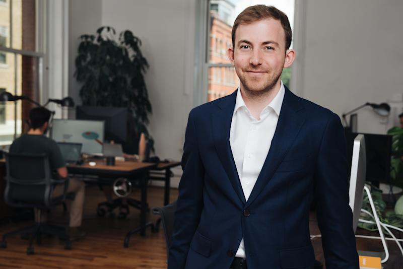 The 5 best pieces of money advice from this 29-year-old who manages $1 billion for millennials