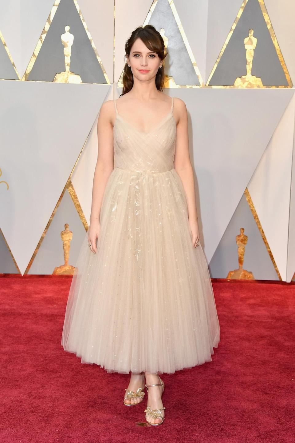 <p>Felicity Jones went for a ballerina look in a Dior tulle gown. <em>(Photo: Getty Images)</em> </p>