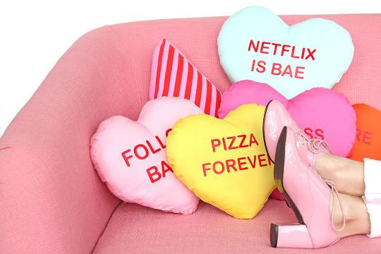 How To Make Conversation Heart Pillows For Galentine S Day