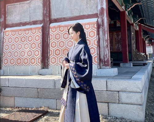 Korean actress Kim So-hyun sends her Lunar New Year wishes to everyone, and inadvertently 'started' a boycott campaign against her series