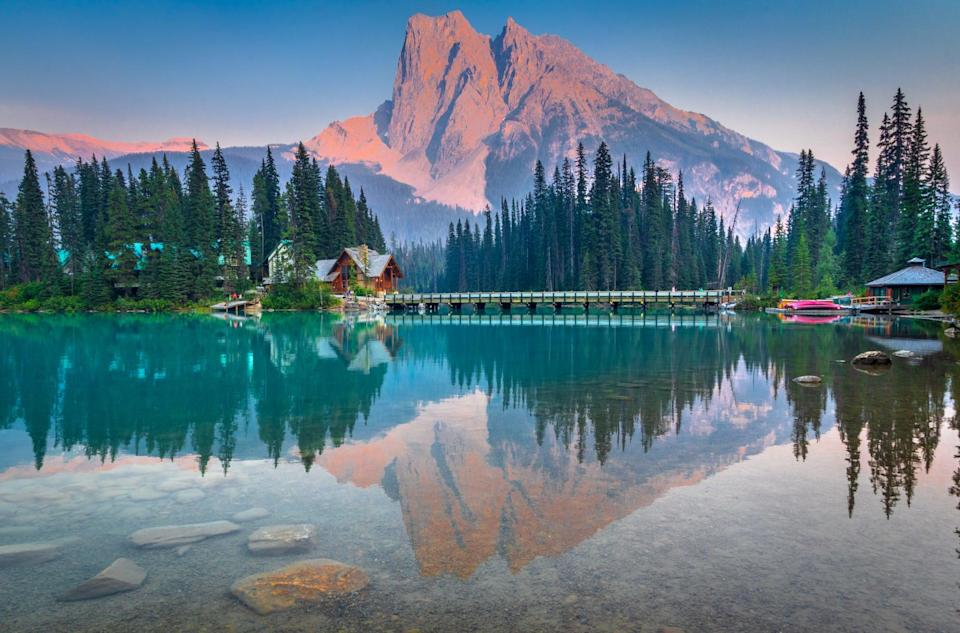 <p>Located within Yoho National Park in British Columbia, this scenic spot was made for lovers of the outdoors. </p>