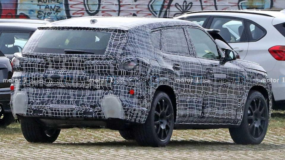 BMW X8 Spy Photos
