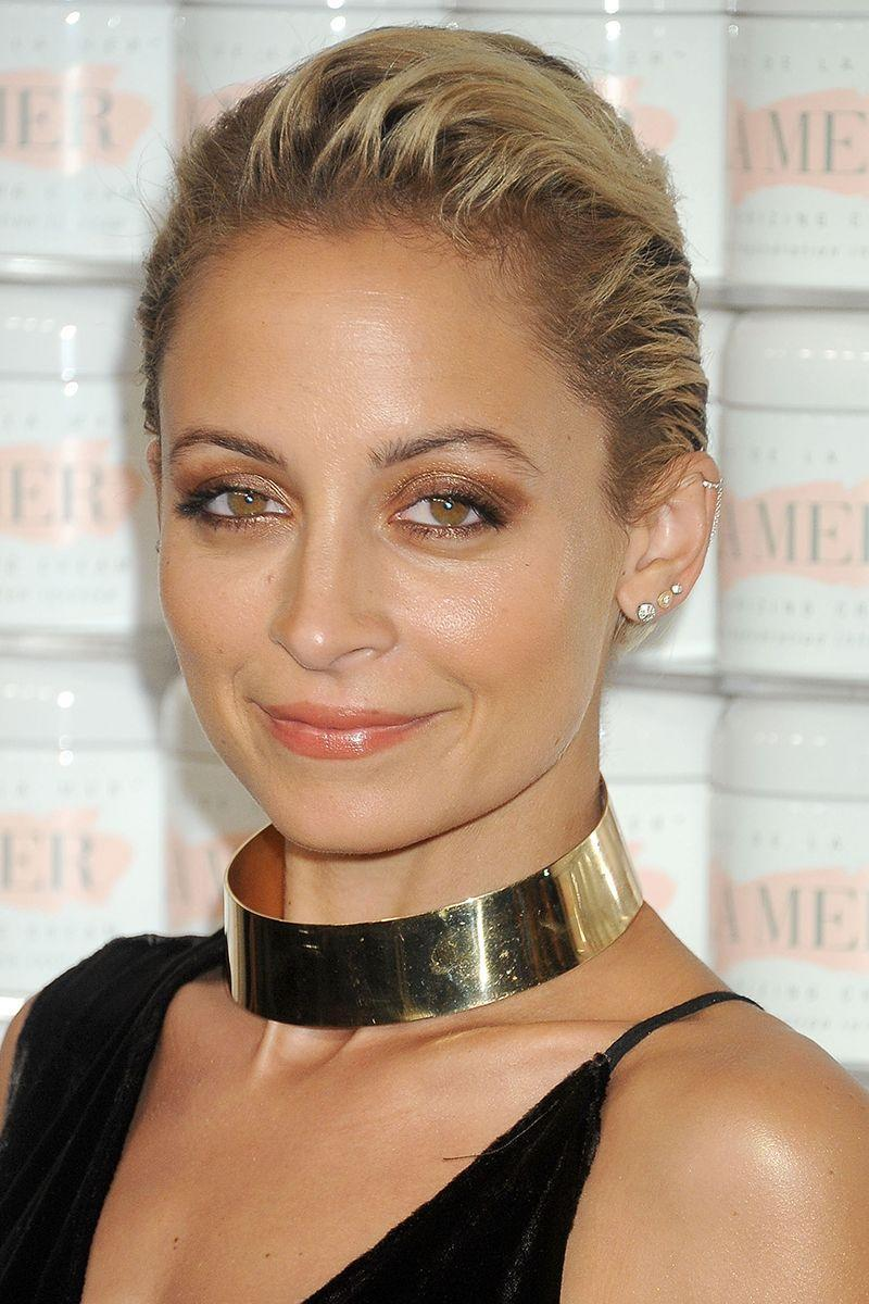 <p>Nicole Richie slicks back her pixie cut for an edgy yet sophisticated finish. </p>