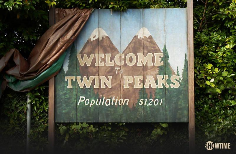 """Showtime released the first behind-the-scenes look at the new """"Twin Peaks"""" and we're freaking out"""