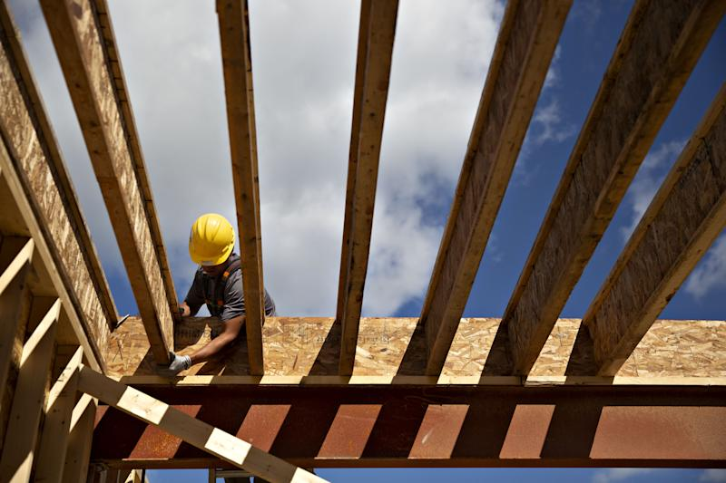U.S. Homebuilder Index Drops by Most Since '14 as Rates Rise