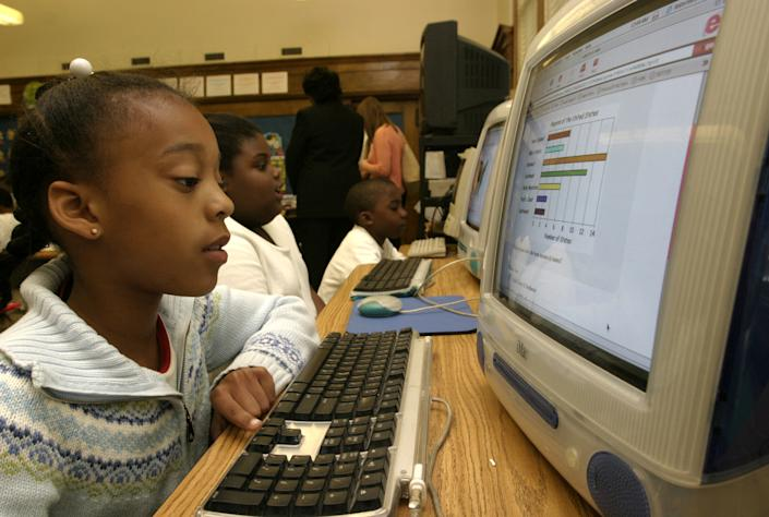 ME/SOL_5/24/05_photographer Jay Paul FTWP_neg# 3729_location Richmond, VA_caption_Stuart Elementary School in Richmond, VA has been using special techniques including drilling and reviewing to help students perform better on Virginia's standardized test. Tonika Shackleford practices testing with ideas like