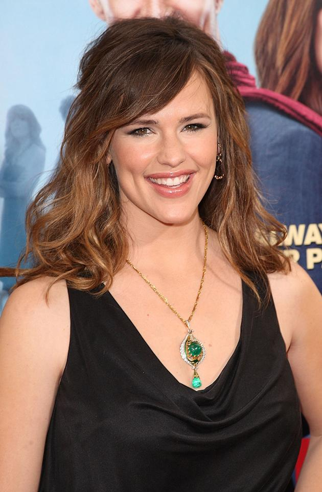 "<a href=""http://movies.yahoo.com/movie/contributor/1800338890"">Jennifer Garner</a> at the Los Angeles premiere of <a href=""http://movies.yahoo.com/movie/1809994768/info"">Ghosts of Girlfriends Past</a> - 04/27/2009"