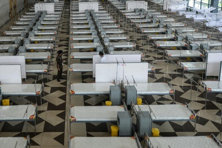 The new coronavirus field hospital has 2,084 beds, and can be expanded to 5,000 beds if the outbreak worsens