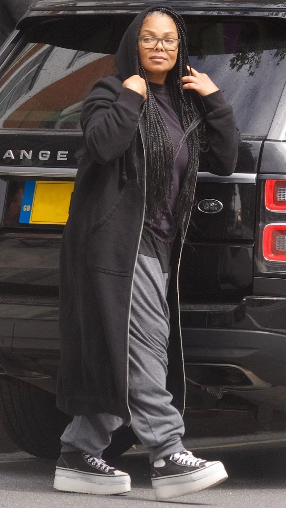 <p>Janet Jackson was seen in London in a dark casual ensemble.</p>