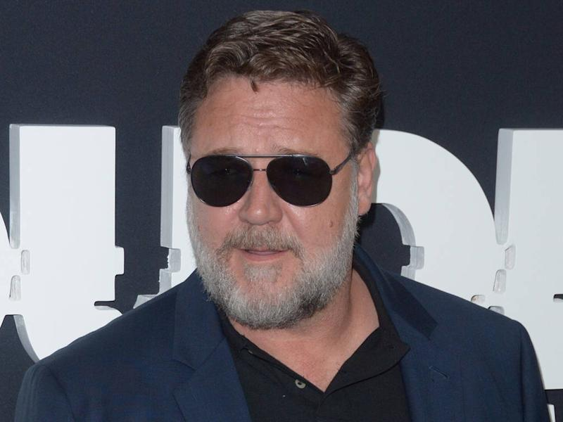 Russell Crowe demands climate change action in Golden Globes speech