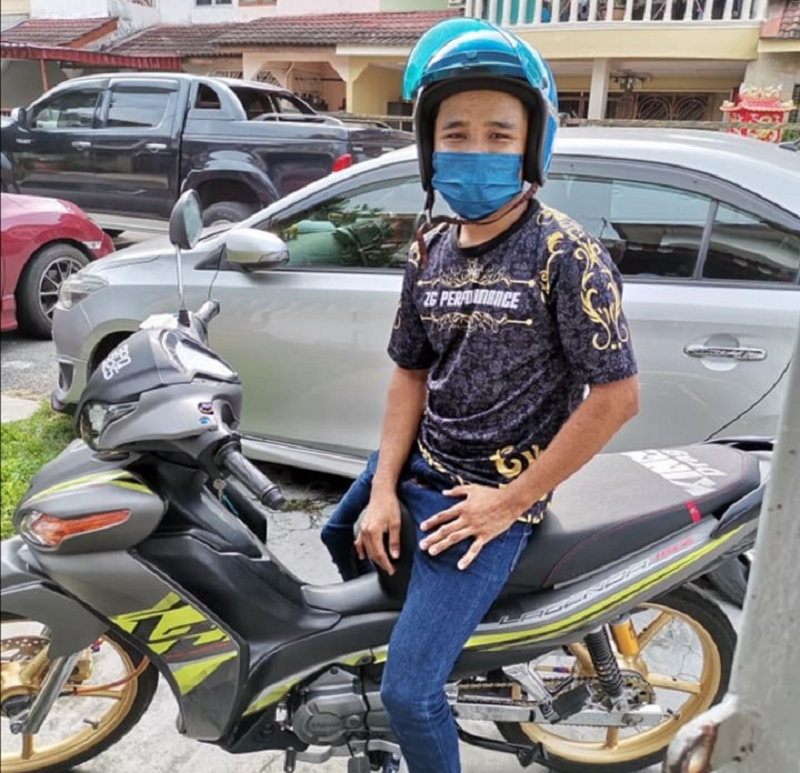Thanks to this man, Klang woman Paulynn Koh got back her personal belongings that she lost on Saturday. ― Picture via Facebook/Paulynn Koh