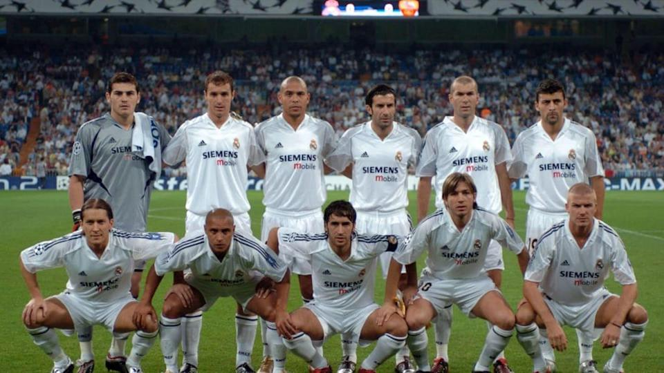 Il Real Madrid con il main sponsor Siemens | Etsuo Hara/Getty Images