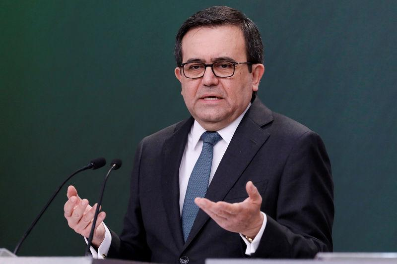 FILE PHOTO: Mexico's Economy Minister Ildefonso Guajardo at a news conference in Mexico City