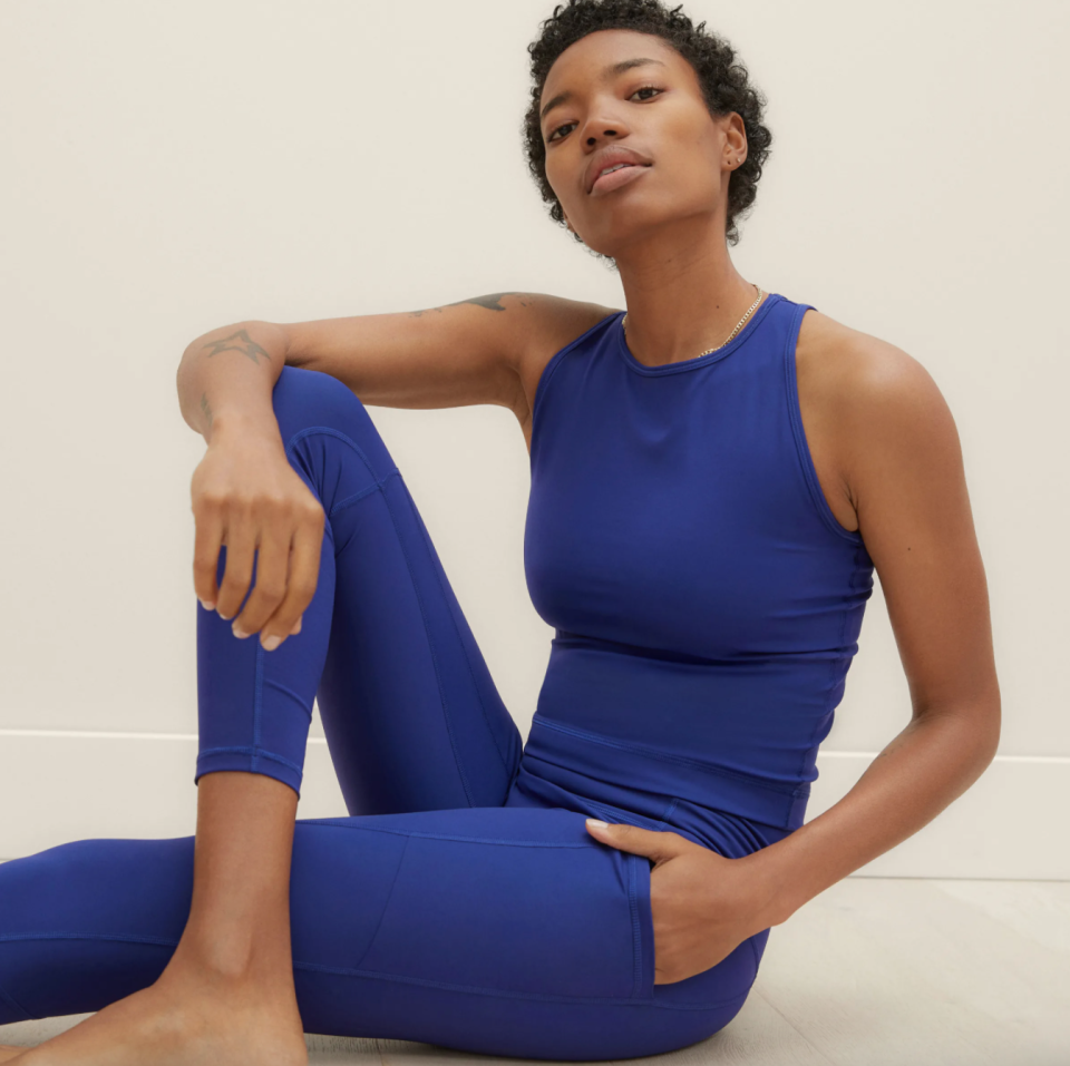 Fuel your leggings addiction with these Lululemon alternatives (Photo via Everlane)