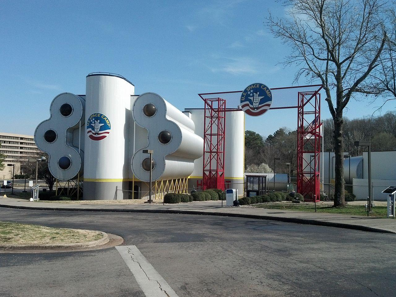 """<p>Huntsville: At <a href=""""http://www.spacecamp.com/"""" target=""""_blank"""">Space Camp</a> you'll get your hands on flight simulators, lunar landers, model rockets, and more.</p>"""
