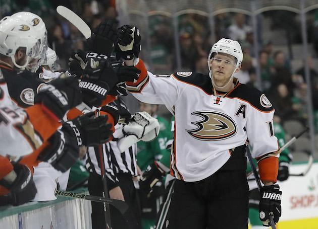 """DALLAS, TX – DECEMBER 13: <a class=""""link rapid-noclick-resp"""" href=""""/nhl/players/3365/"""" data-ylk=""""slk:Corey Perry"""">Corey Perry</a> #10 of the <a class=""""link rapid-noclick-resp"""" href=""""/nhl/teams/ana/"""" data-ylk=""""slk:Anaheim Ducks"""">Anaheim Ducks</a> celebrates his goal against the <a class=""""link rapid-noclick-resp"""" href=""""/nhl/teams/dal/"""" data-ylk=""""slk:Dallas Stars"""">Dallas Stars</a> in the third period at American Airlines Center on December 13, 2016 in Dallas, Texas. (Photo by Ronald Martinez/Getty Images)"""
