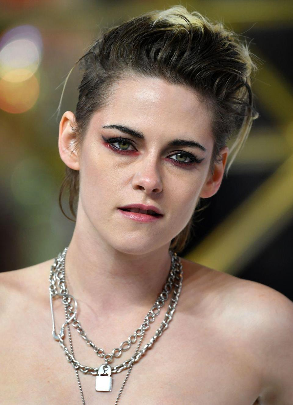 <p>The queen of cool, let Kristen Stewart school you on how to make grown out roots and a modern mullet look seriously epic.</p>