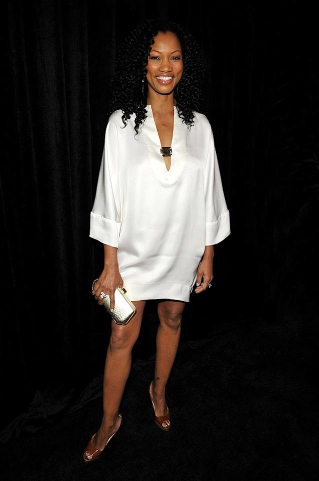 """What was Garcelle Beauvais-Nilon thinking? Her saggy ensemble does nothing for her fabulous figure. John Shearer/<a href=""""http://www.wireimage.com"""" target=""""new"""">WireImage.com</a> - January 14, 2010"""