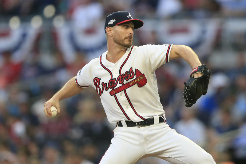 ATLANTA, GA - OCTOBER 09: Atlanta Braves relief pitcher Josh Tomlin #32 pitches during the fifth and final game of the National League Division Series between the Atlanta Braves and the St. Louis Cardinals on October 9, 2019 at Suntrust Park in Atlanta, Georgia. (Photo by David J. Griffin/Icon Sportswire via Getty Images)