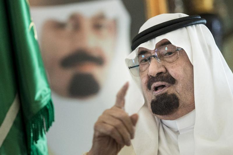 Saudi King Abdullah bin Abdulaziz al-Saud speaks before a meeting with the US Secretary of State at his private residence on June 27, 2014 in the Red Sea city of Jeddah