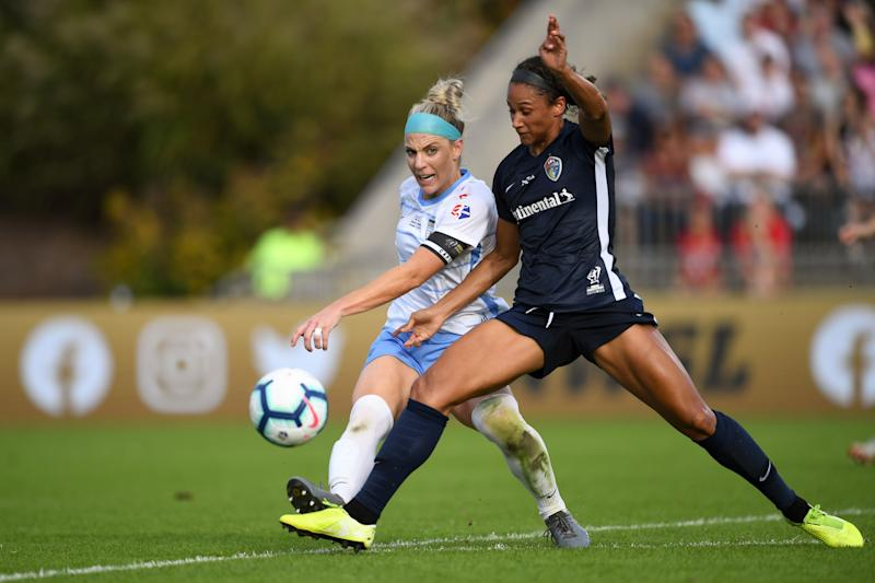 Julie Ertz (left) and the Chicago Red Stars will try to wrestle the NWSL crown from Lynn Williams and the North Carolina Courage. (Photo by Brad Smith/ISI Photos/Getty Images).