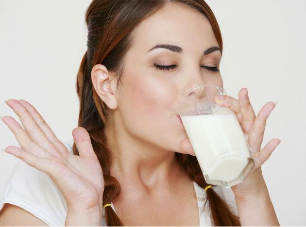 <b>Milk<br><br>When to Drink:</b> Before Bed Grab milk—your skeleton will love the calcium, and your muscles will love the protein. You'll wake up even stronger.