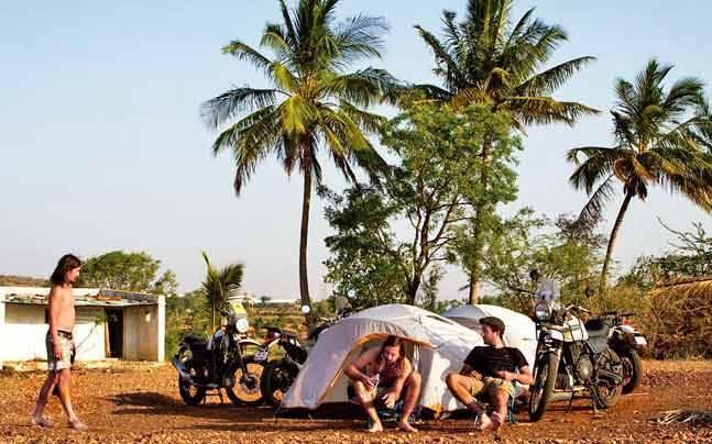 Aussie bikers crisscross India, document condition of child rights in country
