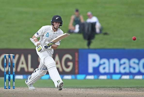 HAMILTON, NEW ZEALAND - MARCH 28: Mitchell Santner of New Zealand bats during day four of the Test match between New Zealand and South Africa at Seddon Park on March 28, 2017 in Hamilton, New Zealand. (Photo by Dave Rowland/Getty Images)