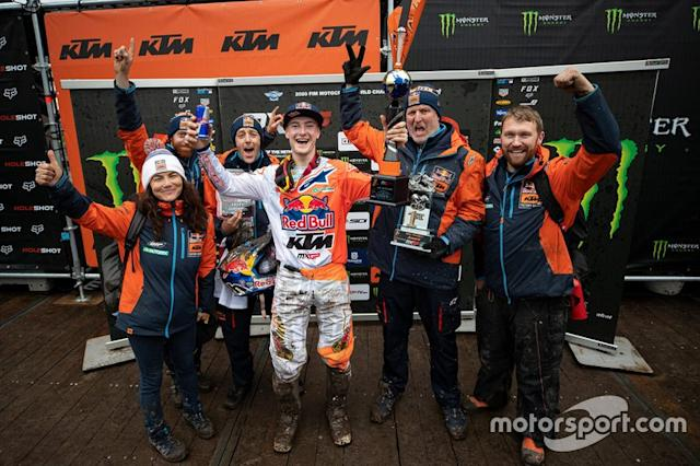 "Jeffrey Herlings, Red Bull KTM Factory Racing con il Team <span class=""copyright"">Ray Archer/KTM Media Library</span>"